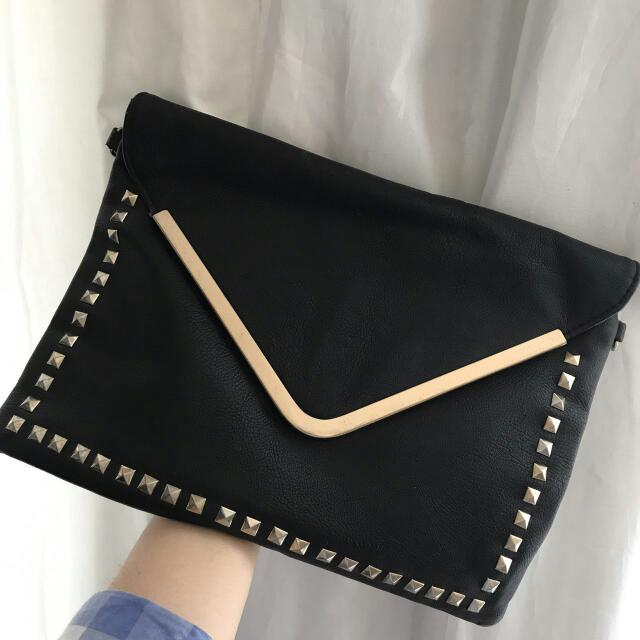 [SALE] Valleygirl Black Studded Clutch