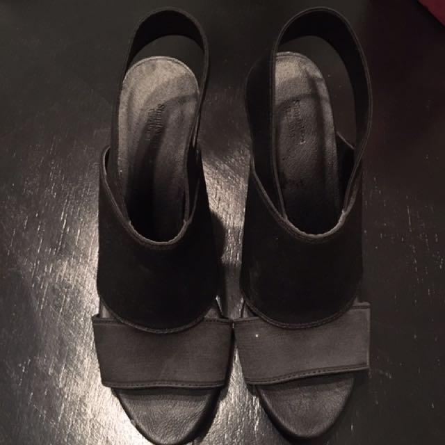 Vera Wang Black Heels