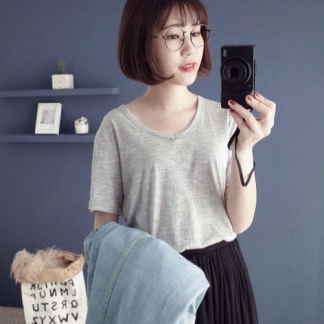 正韓-V領細節紋短袖棉T(淺灰)