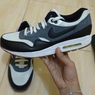 Sepatu Nike Airmax 1 Original Made In Vietnam No.44 No.Box 95% Msh Bgus