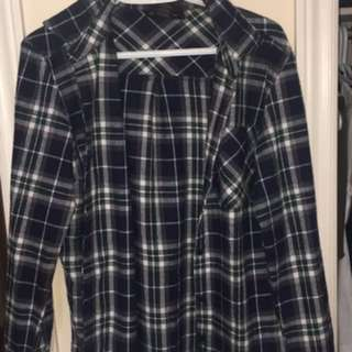 Cute Oversized Plad Shirt Size M