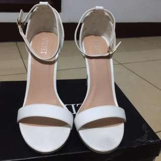 Sandal heels Putih