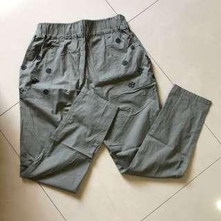 E-WEAR軍綠休閒彈性褲