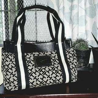 SALE!!! Tommy Hilfiger Monogram Handbag