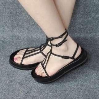 🚚 穿一次)個性涼鞋