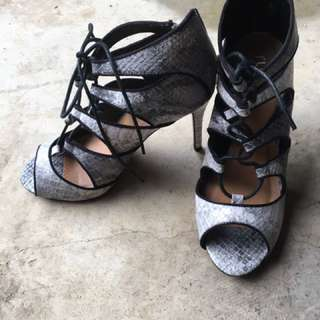 Brand New Snakeskin Criss Cross Lace Up Heels (size 39)
