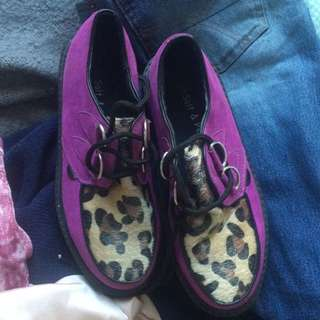 SIZE 8 LEOPARD PRINT PURPLE CREEPERS