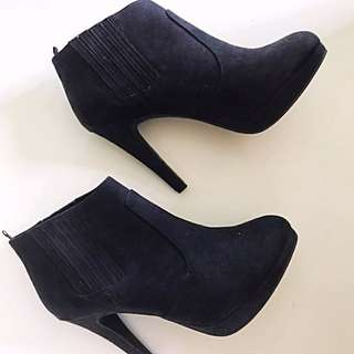 [Free Shipping] H&M Booties Size38