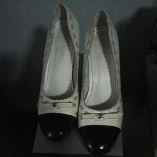 Chanel Pumps 2tone Replica