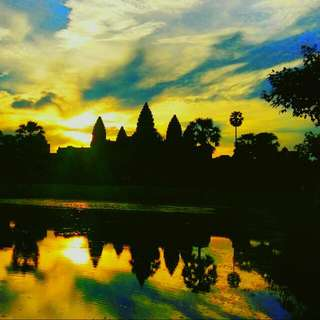 Shuttle Private Tour To Angkor Wat Temples