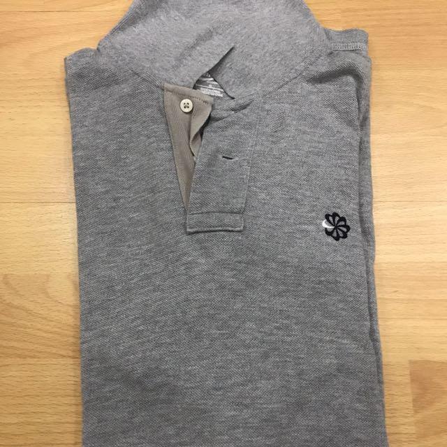 1 L Nike Polo Shirt
