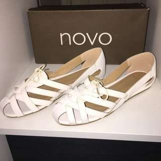 Cute White Shoes Novo Size 37/38