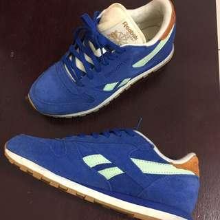 Reebok 寶藍麂皮慢跑鞋