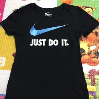 Nike合身t