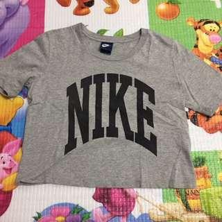 Nike短版休閒上衣