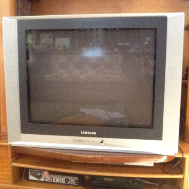 32-inch Box Type TV SAMSUNG