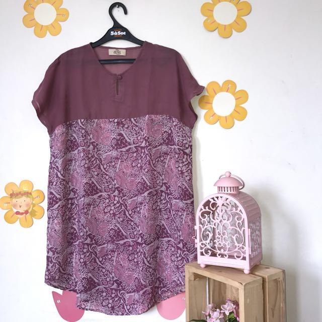 Aksen Tropis Batik Top Purple