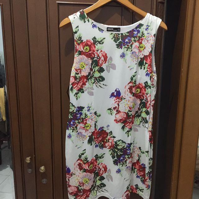 ASOS : FLOWERY DRESS (FIT BODY)