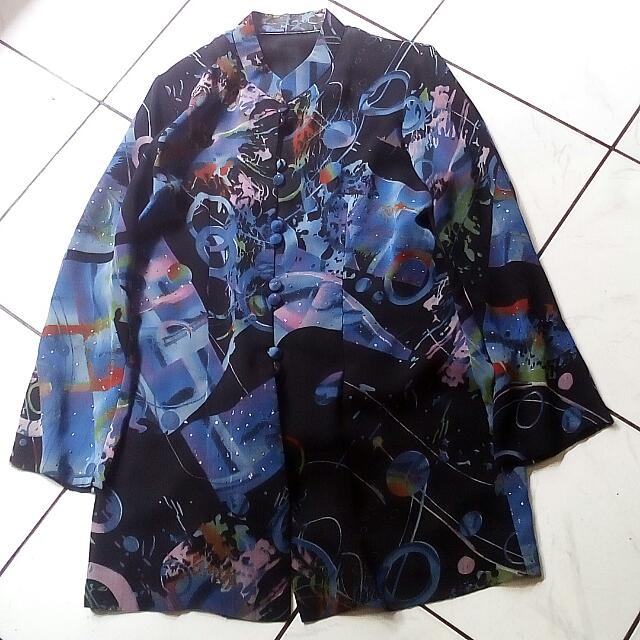 Baju Abstrak