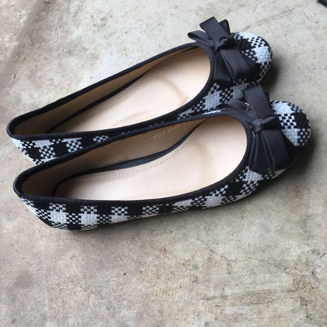 Brand New Cute Checkered Ballet Flats Size 39