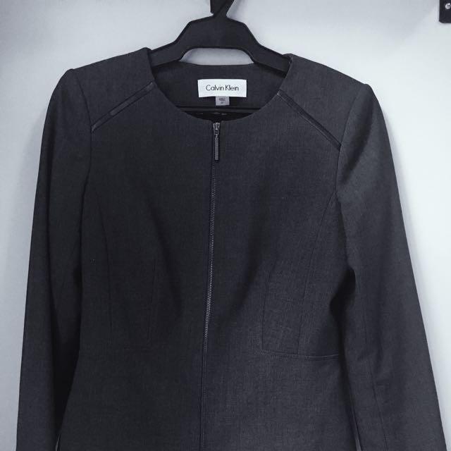 Calvin Klein Padded Zipper Blazer 6P