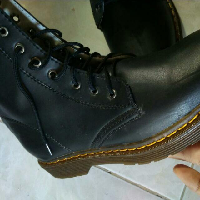 #CLEARANCESALE docmart Boots Sintetis