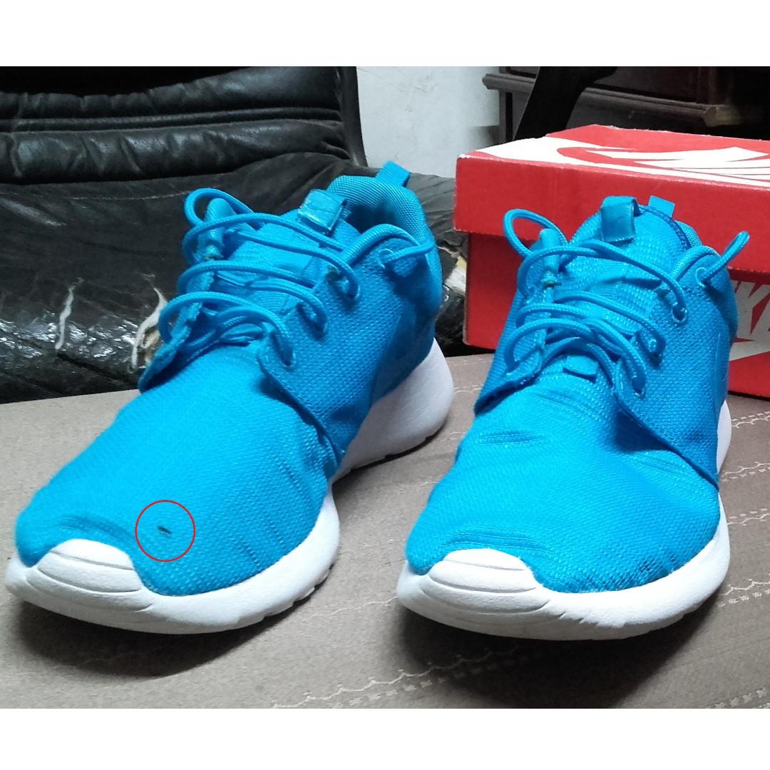 Damaged Nike Rosherun Size 8