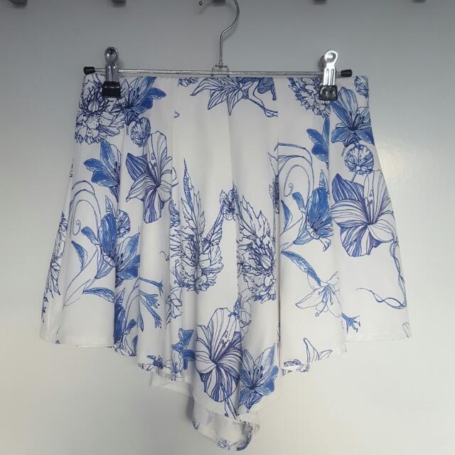 Floral White Blue Shirts Size 8