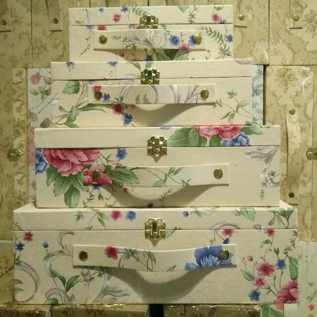 kotak hantaran wallpaper