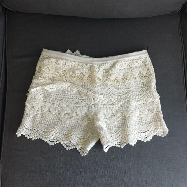 Lace Scalloped Hem Shorts
