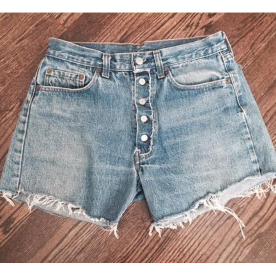 Levis vintage high-waisted denim shorts