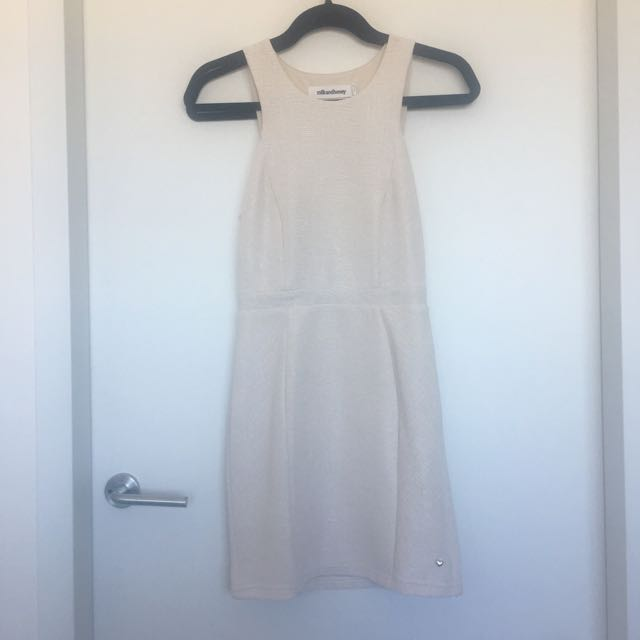 MILK AND HONEY Size 6 Mini Dress