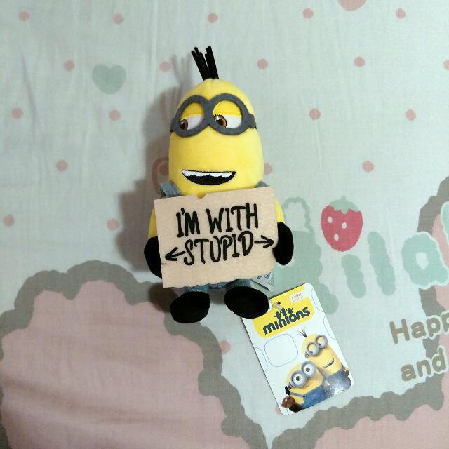 "★ Minion toy ""I'm with stupid"""
