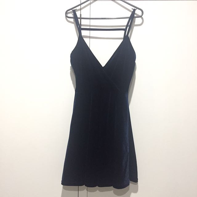 MISSGUIDED PLUNGE NAVY VELVET SKATER DRESS SIZE 8