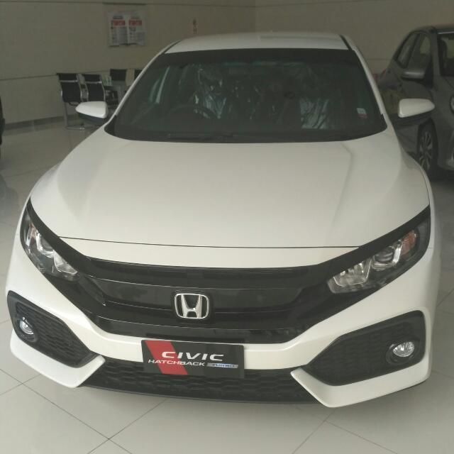 New Honda Civic Hatchback S CVT 2017