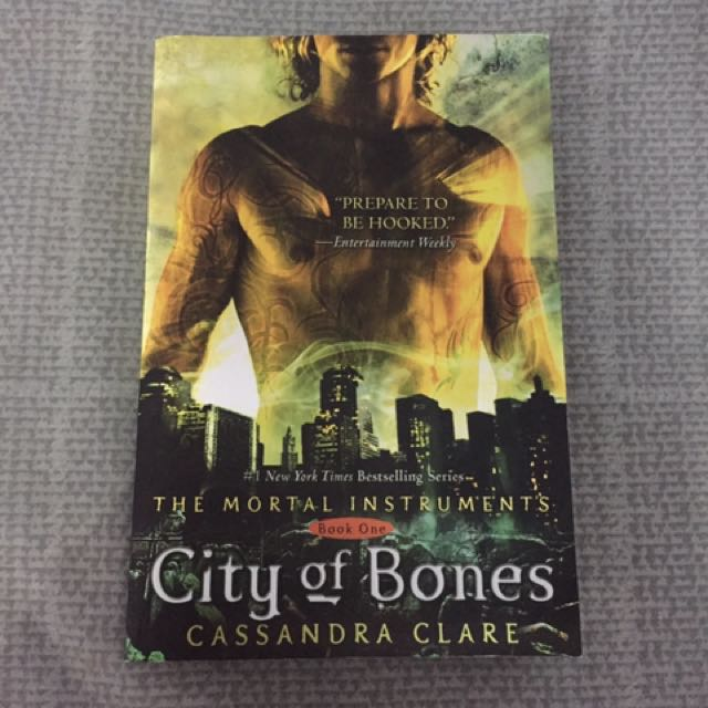 Novel City Of Bones (Mortal Instrument)