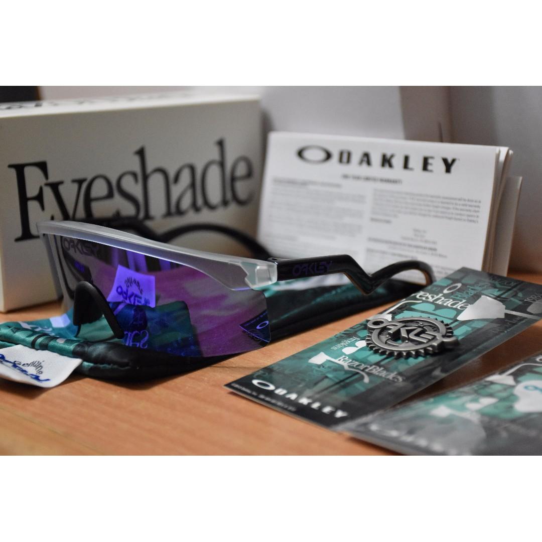 ef23638a5c Oakley Heritage Collection Razor Blades™ - Matte Clear frame + ...