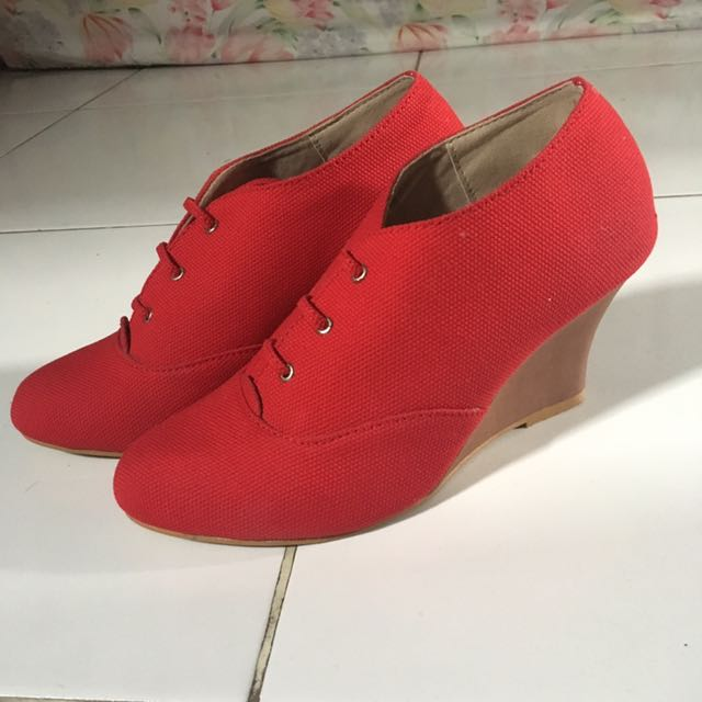 RED RUBY HANDMADE SHOES