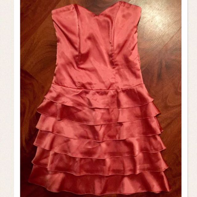 Review Size 6 Salmon Pink Ruffled Dress