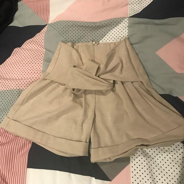 SHOWPO Shorts