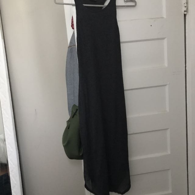 URBAN OUTFITTER/FLATTERING ON THE BOOTY MIDI DRESS
