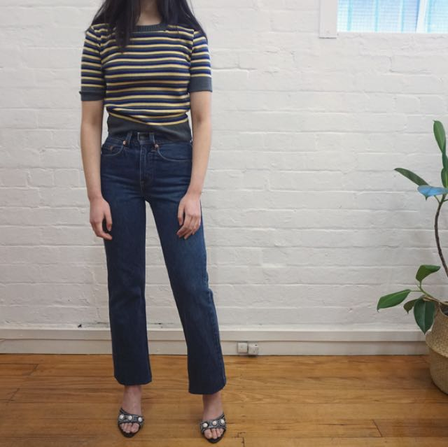 Vintage 90s knit grey blue yellow tshirt