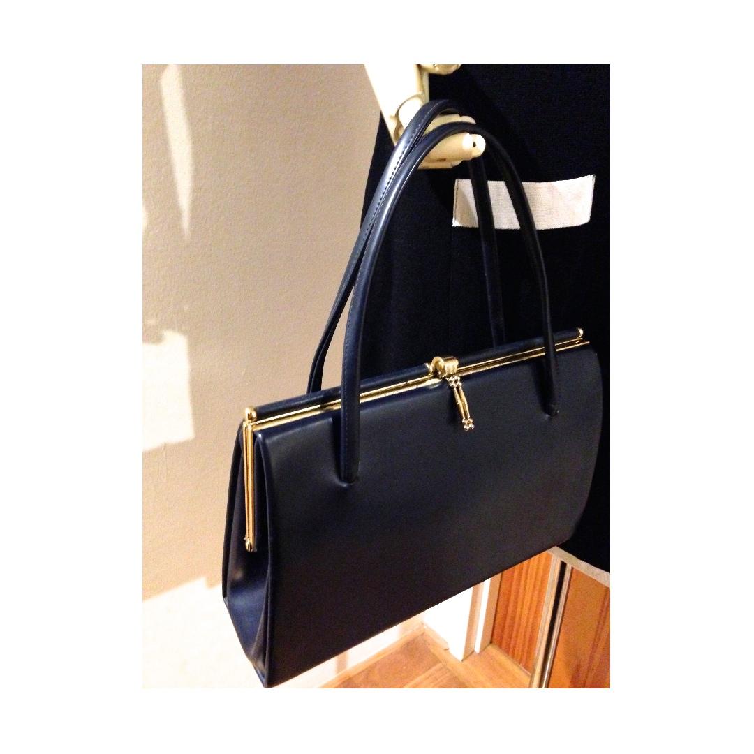 Vintage Navy Blue Clasp Framed hand bag