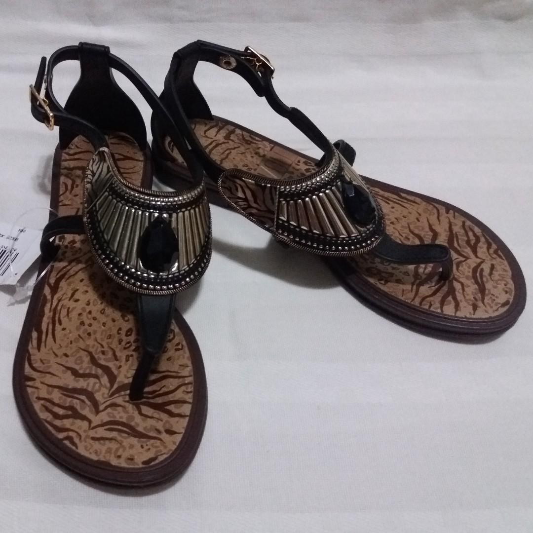 ZIZOU Sandals for Girls (Black)