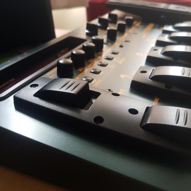 ZOOM GFX-8 GUITAR EFFECTS