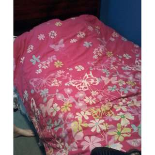 Pink girls comforter for twin bed