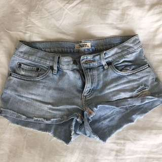 TNA Denim Shorts Aritzia Size 27