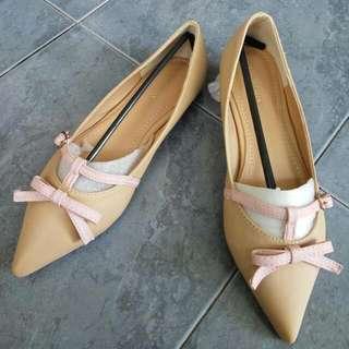 Sepatu Cewek Merk KAREN. CHLOE