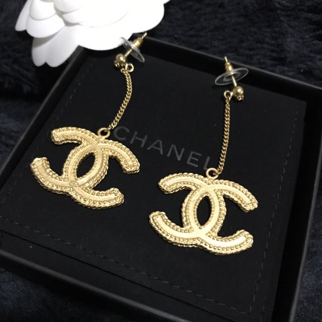 100% Authentic CHANEL Gold Drop Dangle XL CC Earring 2017