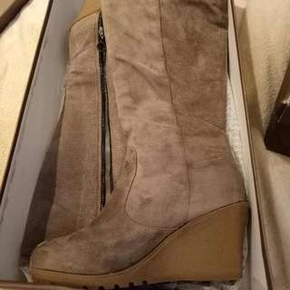 Size 7 Novo Taupe Boots